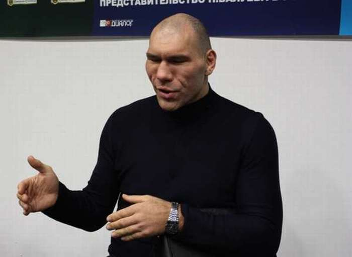Russian Boxer Valuev 4