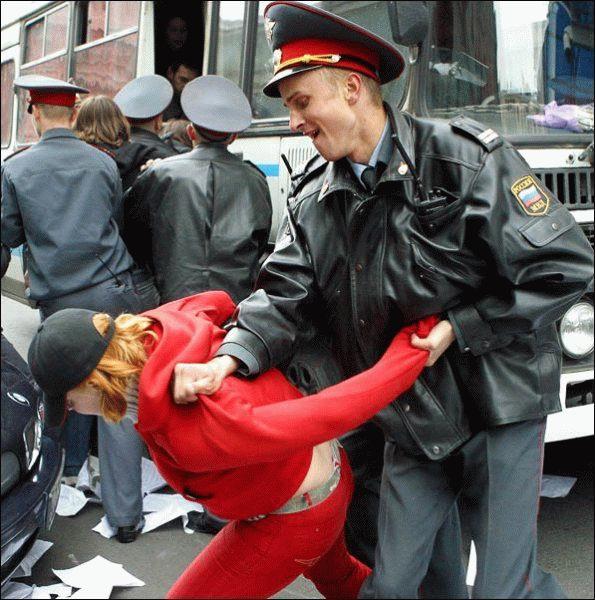 violent russian policeman
