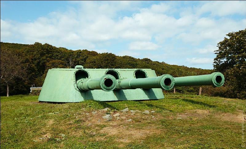 Voroshilov Battery on Russky Island