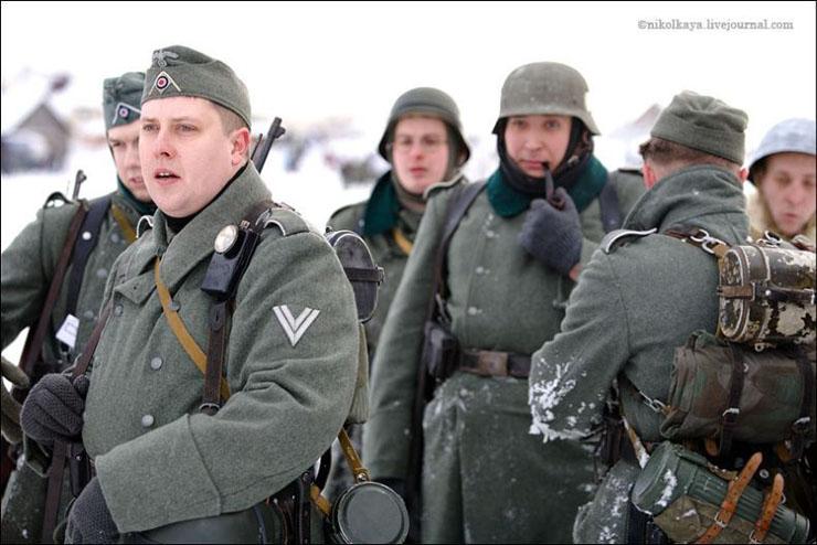 guys dressed in world war suites near Leningrad 14