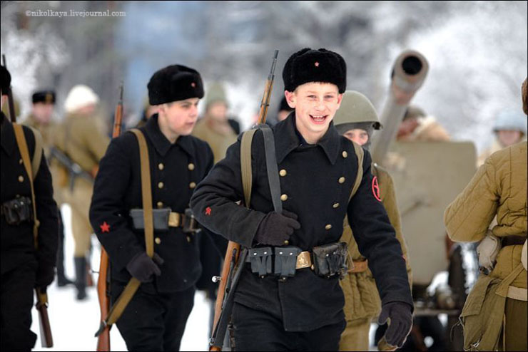 guys dressed in world war suites near Leningrad 15