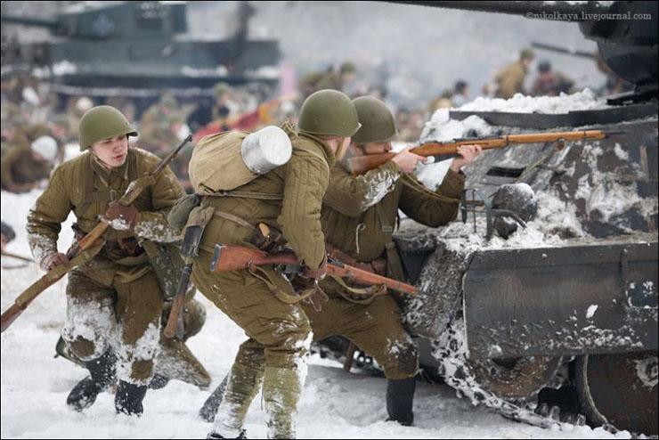 guys dressed in world war suites near Leningrad 25