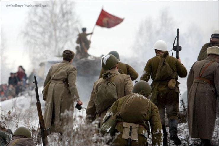 guys dressed in world war suites near Leningrad 33