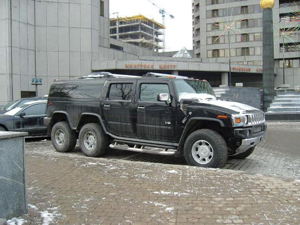 Strange Hummer in Russia 2