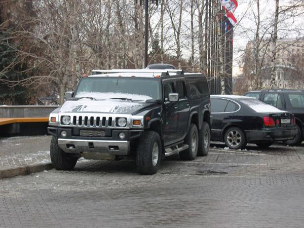 Strange Hummer in Russia 3