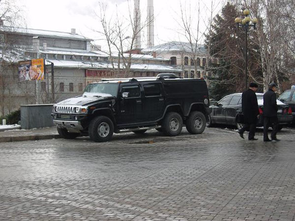 Strange Hummer in Russia 4