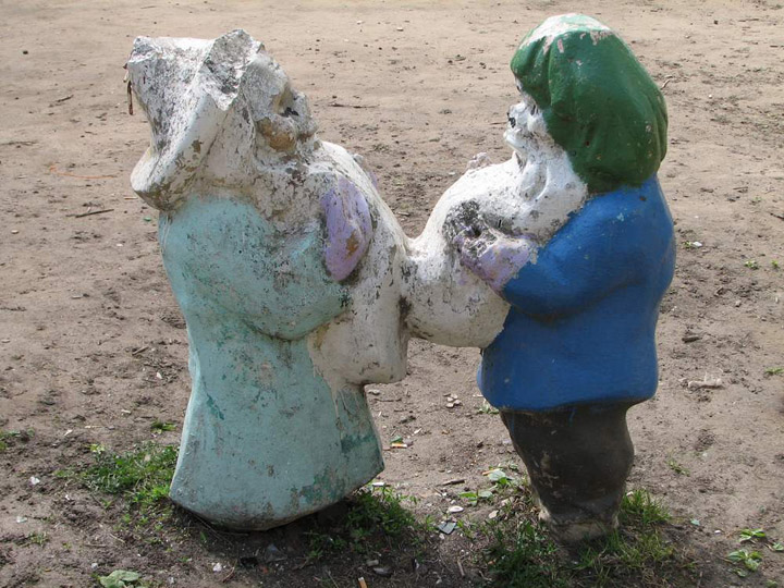 the most weird russian playgrounds for kids 45