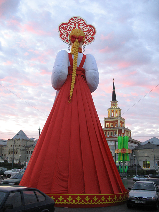 a 30ft tall figure somwhere in Moscow 3