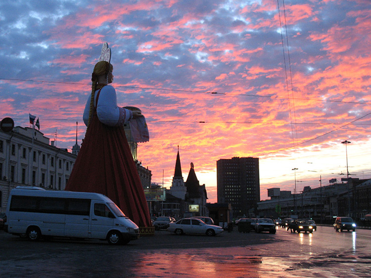a 30ft tall figure somwhere in Moscow 5