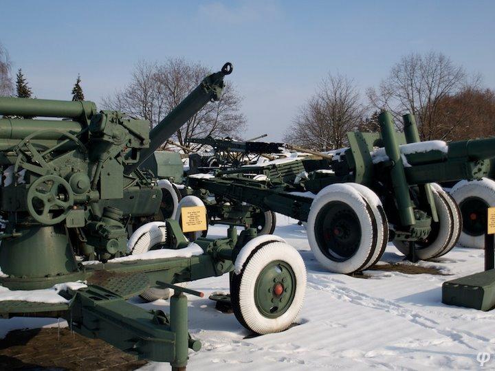 Russian armaments in museum in winter 40