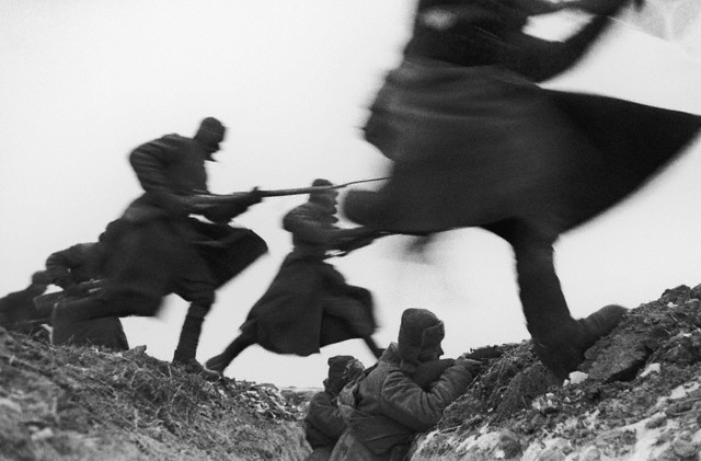 World War 2 Photos by Dmitri Baltermants 1