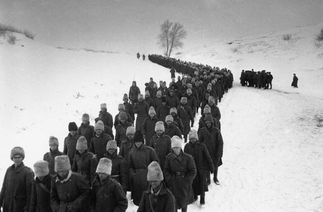 World War 2 Photos by Dmitri Baltermants 22