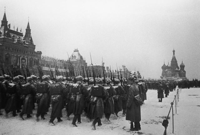 World War 2 Photos by Dmitri Baltermants 25