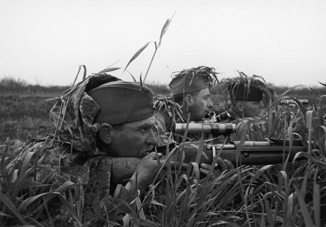 World War 2 Photos by Dmitri Baltermants 31