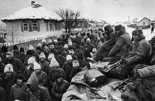 World War 2 Photos by Dmitri Baltermants 36