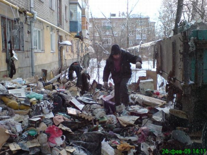 Most dirty appartment in the world, in Russia, Moscow 5