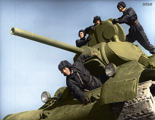 Russian soldiers during World War 2, color photo 1