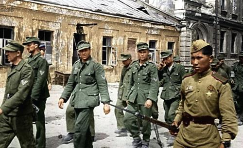 Russian soldiers during World War 2, color photo 11