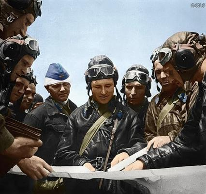 Russian soldiers during World War 2, color photo 17