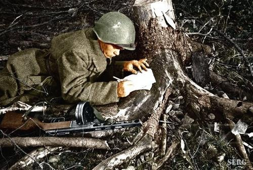 Russian soldiers during World War 2, color photo 3