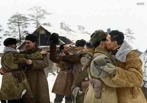 Russian soldiers during World War 2, color photo 4