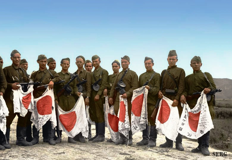 Russian soldiers during World War 2, color photo 40