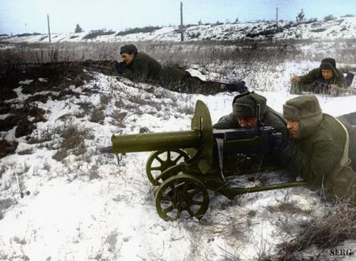 Russian soldiers during World War 2, color photo 7