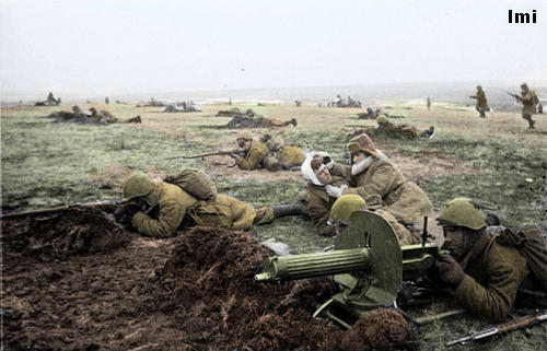 Russian soldiers during World War 2, color photo 9