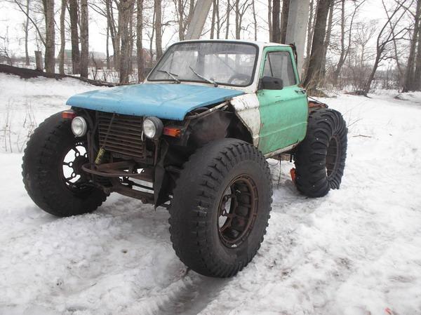 zaporozhets car with big wheels 1