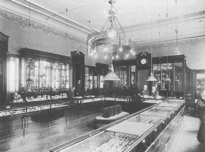 d180d0b8d181-7a-faberge-shop-1910