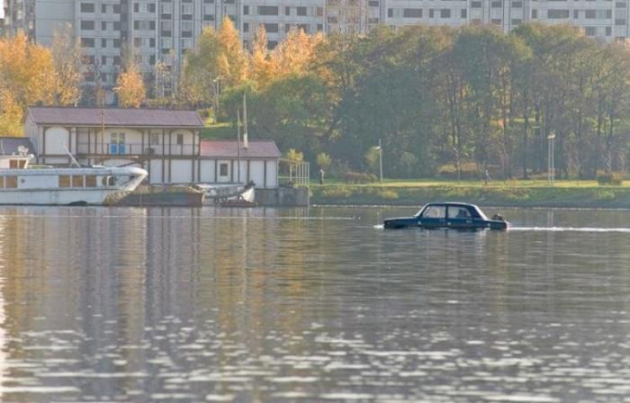 swim_car_01