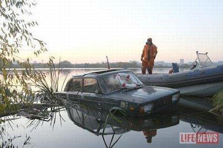 swim_car_07