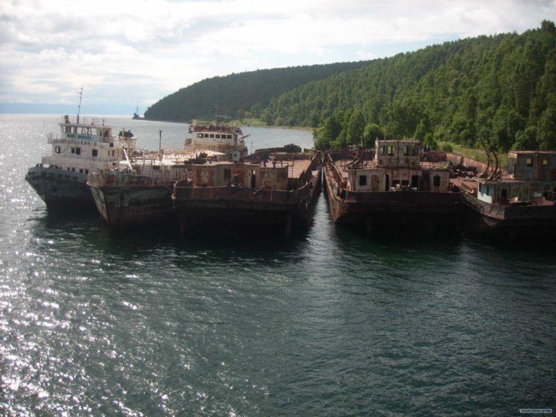 Baikal rusty ships 2