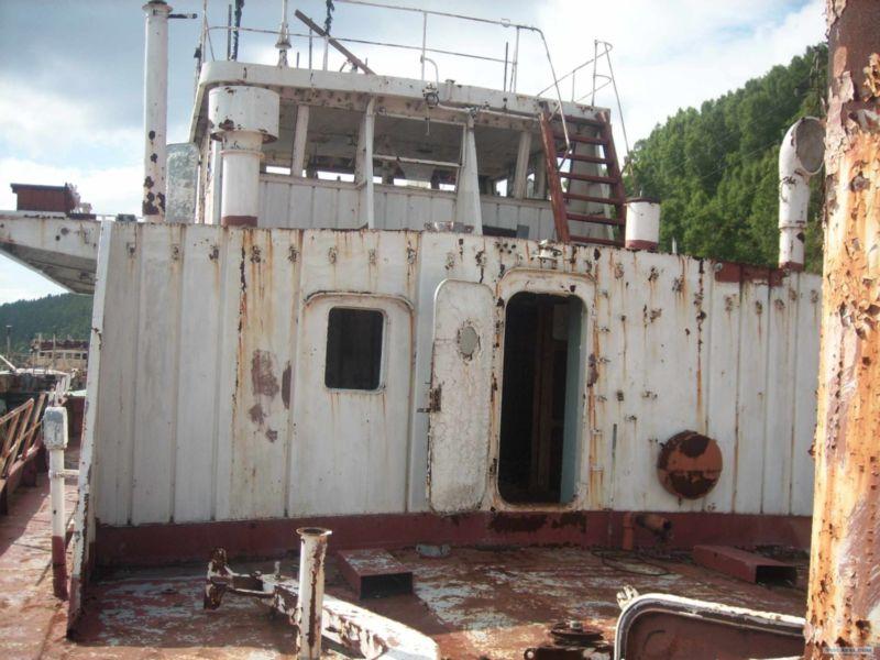 Baikal rusty ships 6