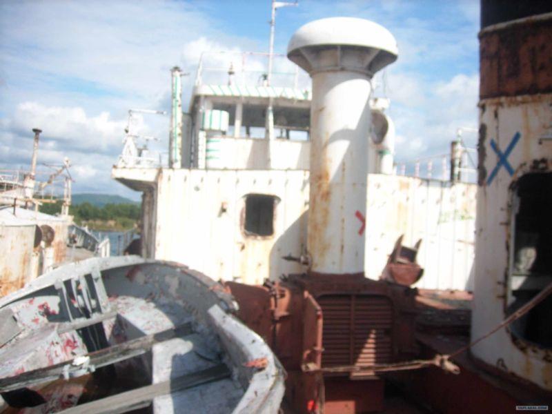 Baikal rusty ships 15