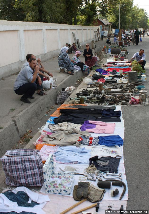 Dushanbe Flea Market: Hello From the Soviet Past