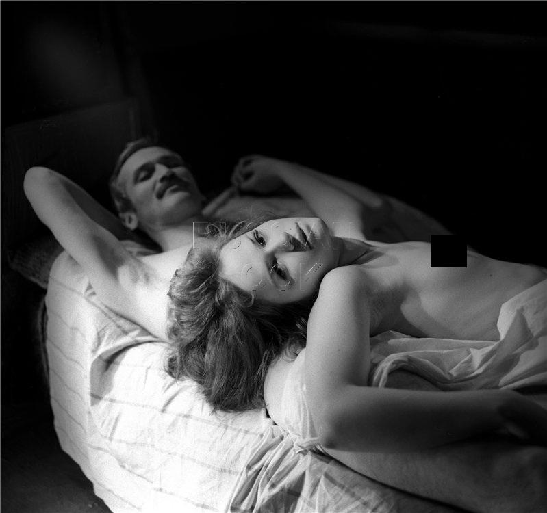 Все мы помним те немногочисленные сцены из советского кино, когда