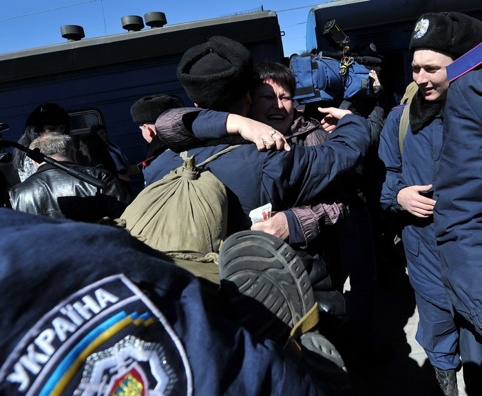 Возвращение военнослужащих призванных из Крыма в Симферополь