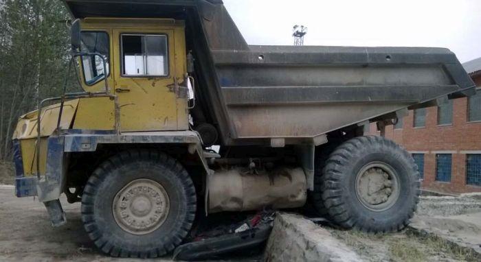 Huge Belaz Trucks Smash Toyota