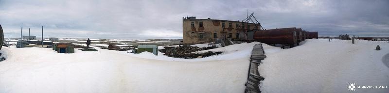 Abandoned Barracks on Graham Bell Island