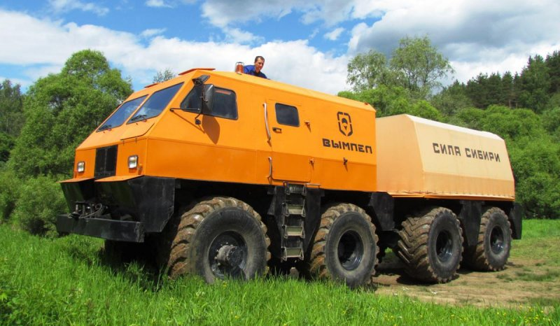 "Cross-country vehicle ""Vympel"" for the oil and gas fields in Yamal"