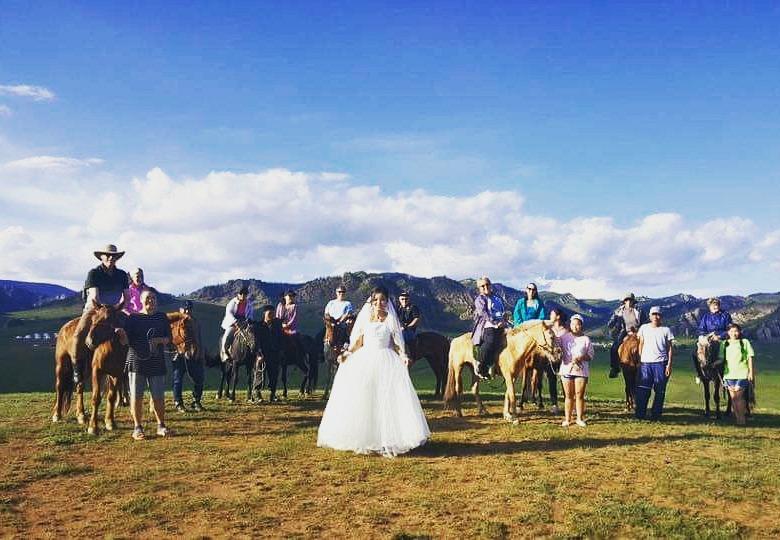 mongolia-horse-riding