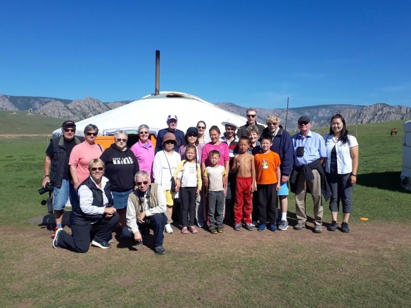 mongolia-nomadic-family