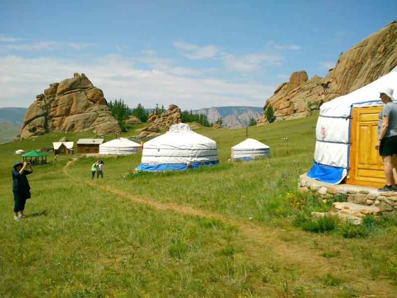 mongolia-yurt-ger-camp (1)