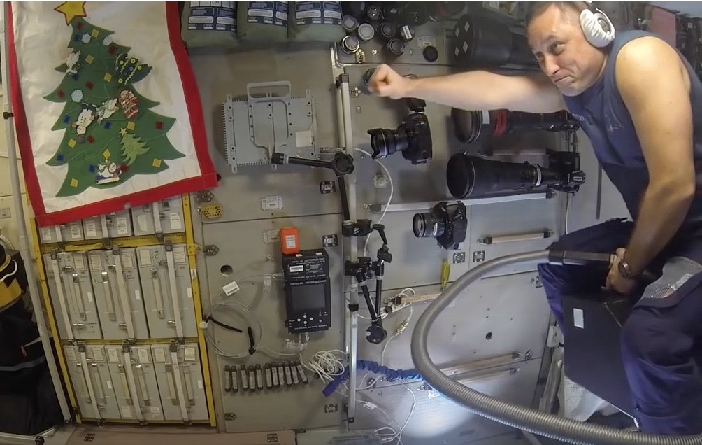 Russian Cosmonaut Rides Vacuum Cleaner at the Space Station [full video]