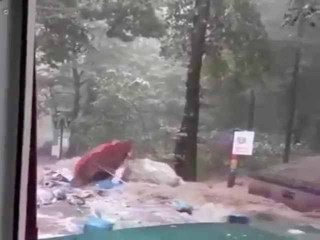 Flood in Kislovodsk [video]