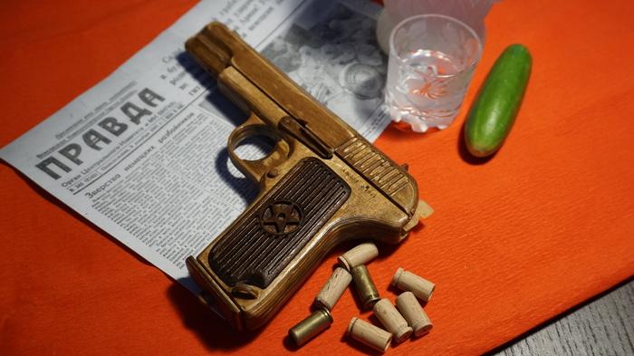 Tokarev TT Pistol Replica Made of Wood, Can Shoot [photos + video]