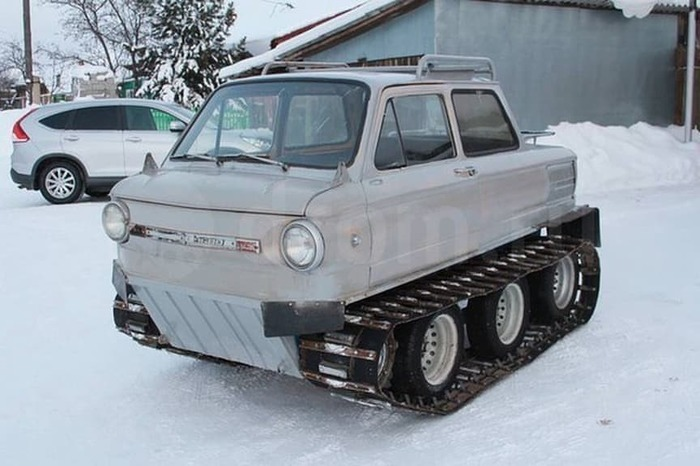 Awesome Tractor Zaporozhets [12 photos and a vid]
