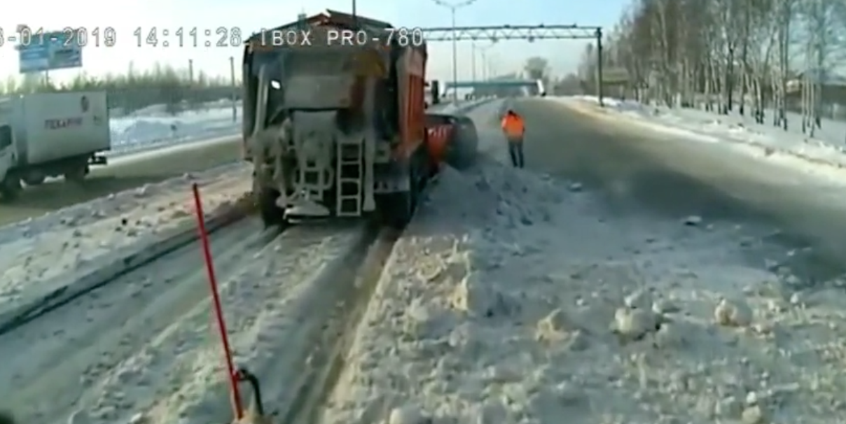 Man Decides He Has a Jeep and Takes Over Slow Truck