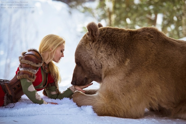 girl_and_bear_01